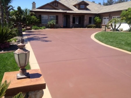 stained-concrete-driveway